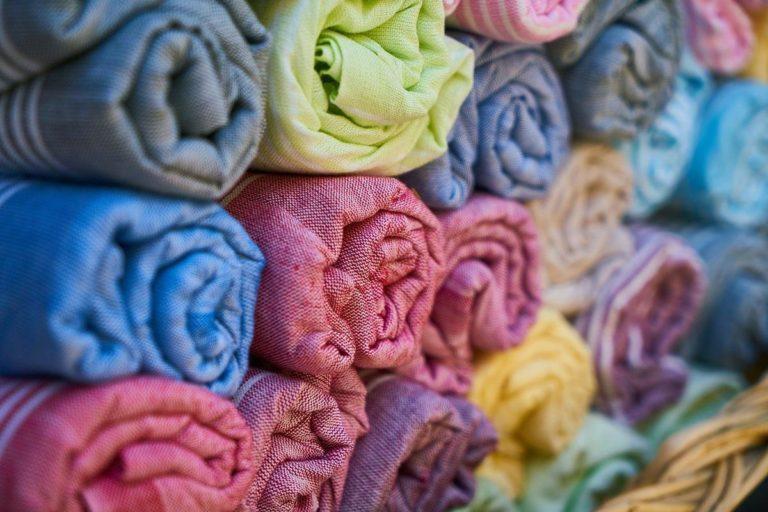 Nawet nie wyobrażasz sobie jak wielkie spektrum tkanin jest obecnie dostępne w sklepach.