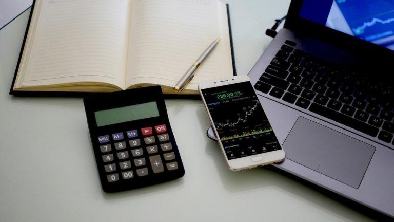 Dlaczego warto korzystać z porad przy inwestowaniu?